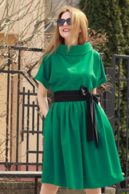 Rochie verde cu cordon...