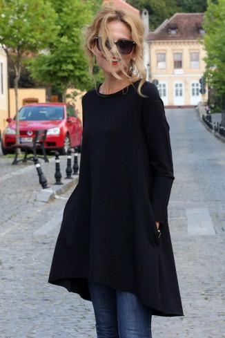 Bluza lunga neagra in forma...